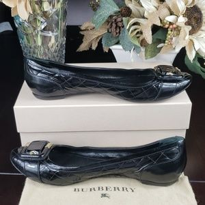Burberry Black Leather Flats Size EURO 41